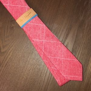 BNWT red and white plaid 100% cotton tie